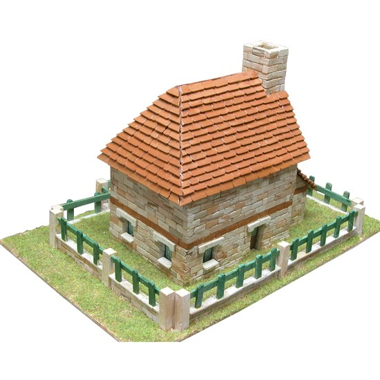 kit macheta din ceramica, Casa traditionala