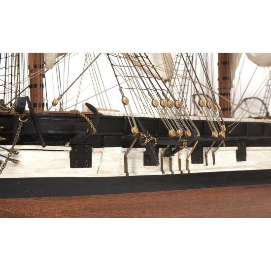kit de construit corabie din lemn: HMS Beagle